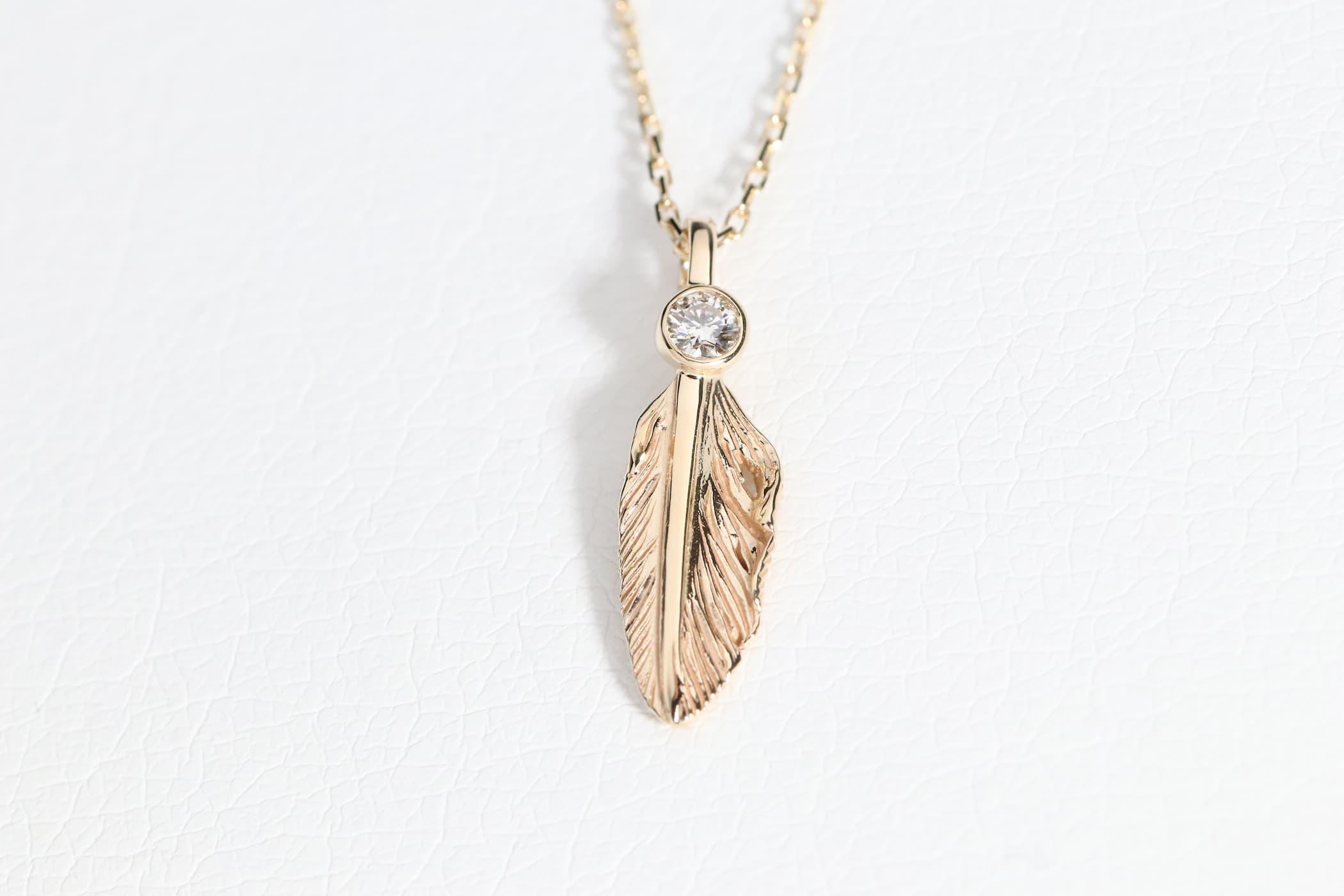 千年フェザー(XS)ネックレスK10YG×ダイヤモンド